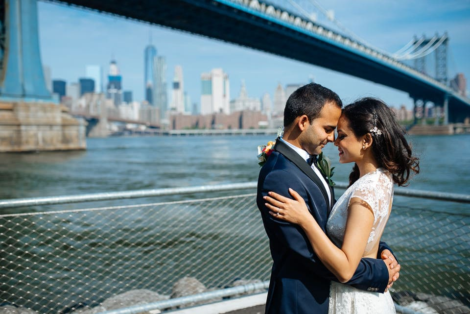 Wedding couple in Brooklyn with skyline view